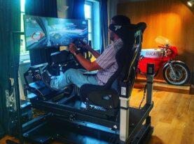 simulatore-di-guida-professionale-dinamico